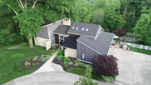 225 Hilltop Lane, Wyoming, OH 45215 (#1703310) :: The Chabris Group