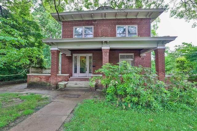 3203 Observatory Avenue, Cincinnati, OH 45208 (#1703826) :: The Huffaker Group