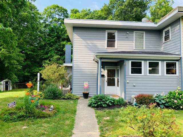 20 Falcon Lane, Greenhills, OH 45218 (#1704761) :: The Huffaker Group
