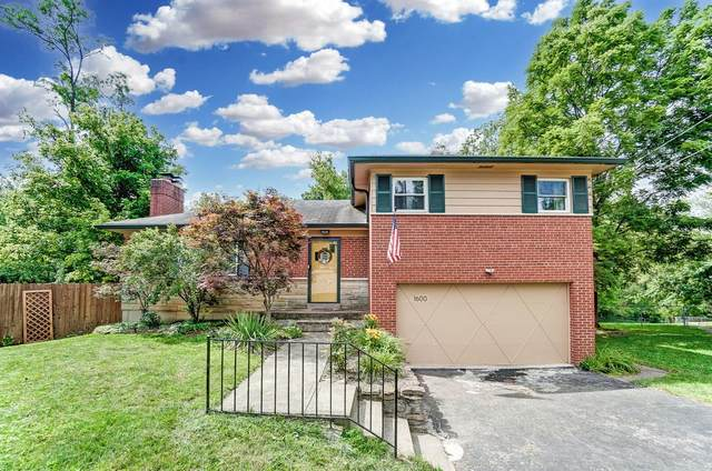 1600 Barnsdale Court, Anderson Twp, OH 45230 (#1707750) :: The Huffaker Group