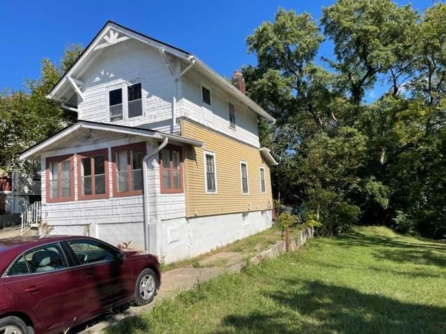 3252 Mchenry Avenue, Cincinnati, OH 45211 (#1714678) :: The Chabris Group