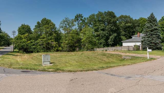 7533 Whitehall Circle, West Chester, OH 45069 (#1715344) :: The Susan Asch Group