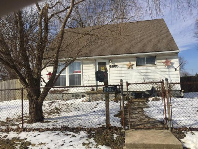 6885 Keats Drive, Dayton, OH 45414 (#1611470) :: Chase & Pamela of Coldwell Banker West Shell