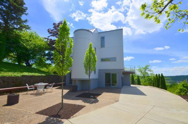 843 Clifton Hills Terrace, Cincinnati, OH 45220 (#1632249) :: Drew & Ingrid | Coldwell Banker West Shell