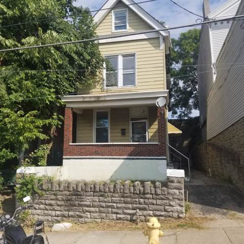 116 W Nixon Street, Cincinnati, OH 45220 (#1637615) :: Chase & Pamela of Coldwell Banker West Shell