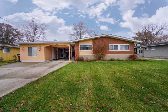8842 Fontainebleau Terrace, Springfield Twp., OH 45231 (#1637990) :: Chase & Pamela of Coldwell Banker West Shell