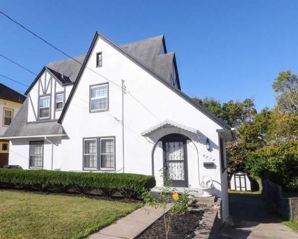 3975 Ardmore Avenue, Cincinnati, OH 45229 (#1641452) :: The Chabris Group