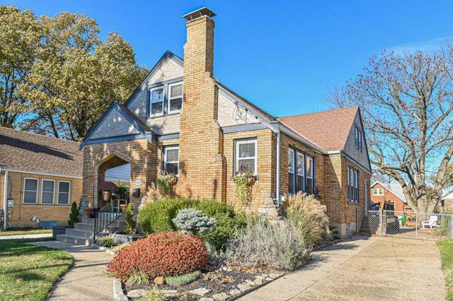 5046 Western Hills Avenue, Cincinnati, OH 45238 (#1644137) :: The Chabris Group
