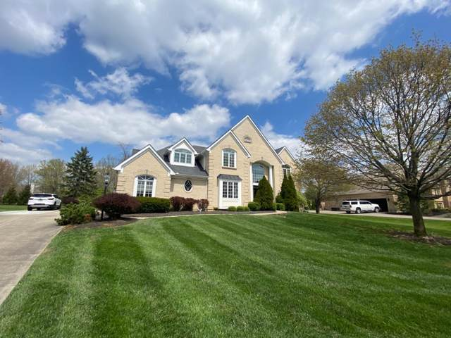 8198 Bridlemaker Lane, Sycamore Twp, OH 45249 (#1658411) :: The Chabris Group