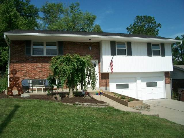 2329 Fairgreen Drive, Green Twp, OH 45238 (#1667326) :: The Chabris Group
