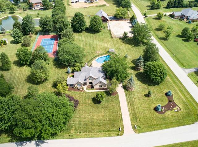 2882 Red Bird Drive, Turtle Creek Twp, OH 45036 (#1668546) :: The Chabris Group