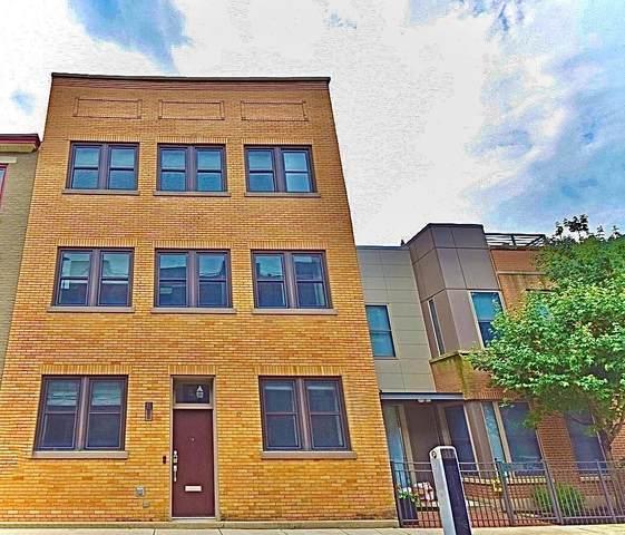 17 Mercer Street, Cincinnati, OH 45202 (MLS #1670089) :: Apex Group
