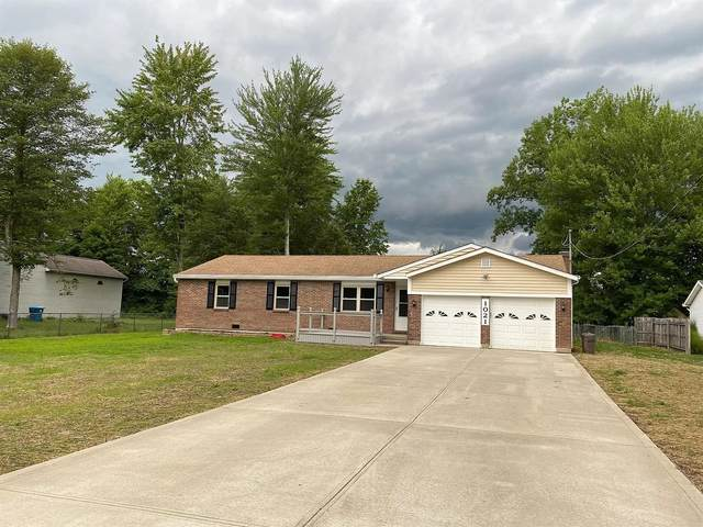 1021 Minning Drive, Batavia Twp, OH 45103 (#1670782) :: The Chabris Group