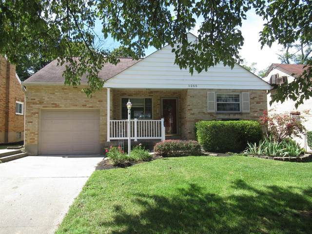 1255 Thurnridge Drive, Reading, OH 45215 (#1674980) :: The Chabris Group