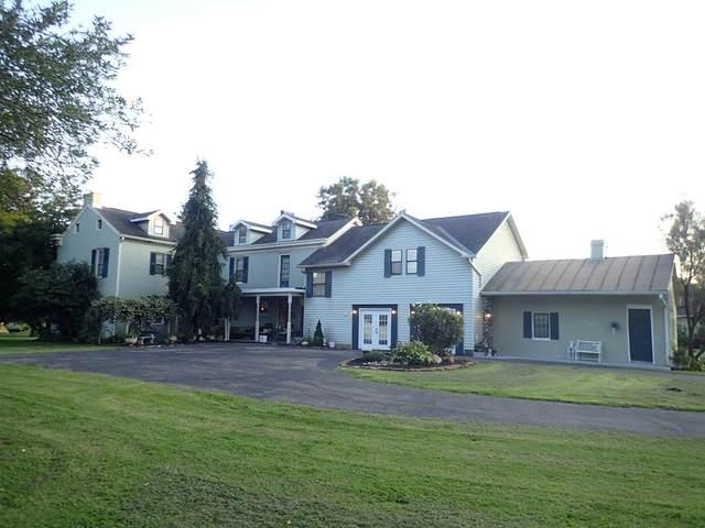 905 W Main Street, Vevay, IN 47043 (MLS #1675243) :: Apex Group