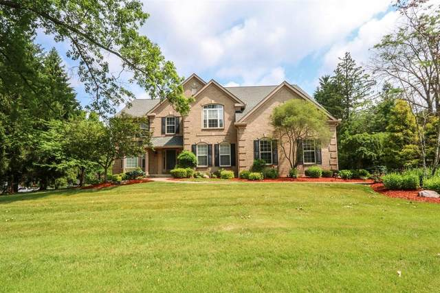 7630 Keller Road, Sycamore Twp, OH 45243 (#1676040) :: The Chabris Group