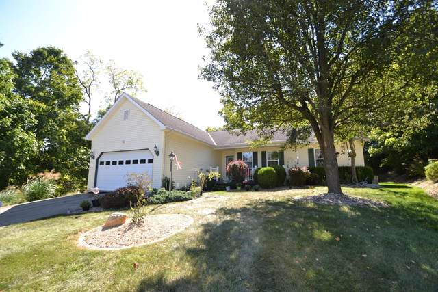557 Cresthaven Drive, Lawrenceburg, IN 47025 (#1676749) :: The Chabris Group