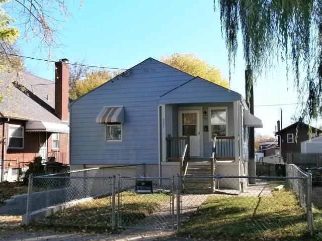 521 Flatt Terrace, Cincinnati, OH 45232 (#1682442) :: Century 21 Thacker & Associates, Inc.