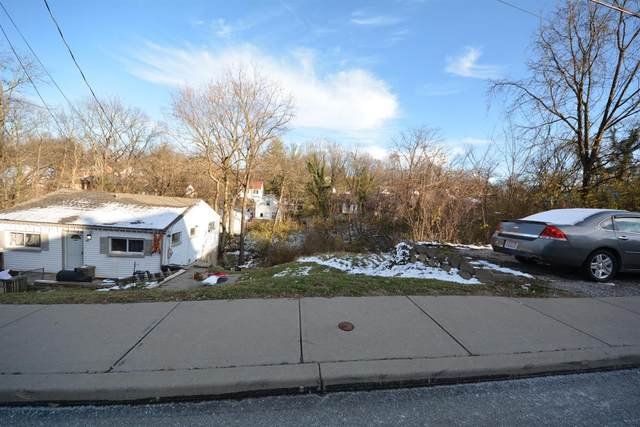 3062 Percy Avenue, Cincinnati, OH 45211 (#1684636) :: The Chabris Group