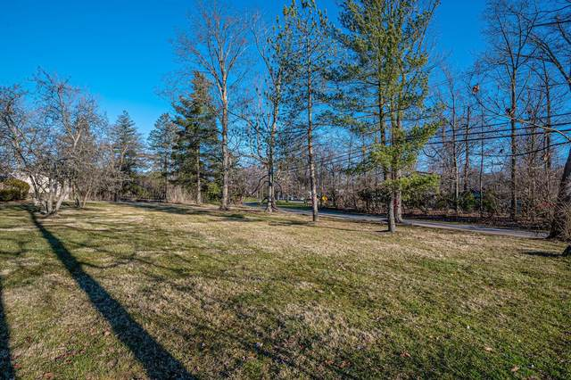 8150 Shawnee Run Road, Indian Hill, OH 45243 (#1692314) :: The Chabris Group