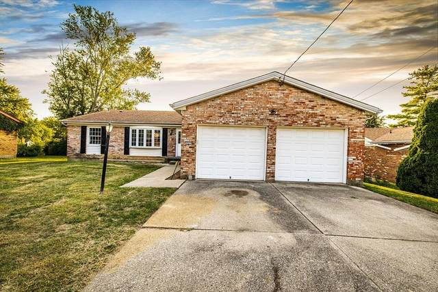 12171 Deerhorn Drive, Springfield Twp., OH 45240 (#1715359) :: Century 21 Thacker & Associates, Inc.