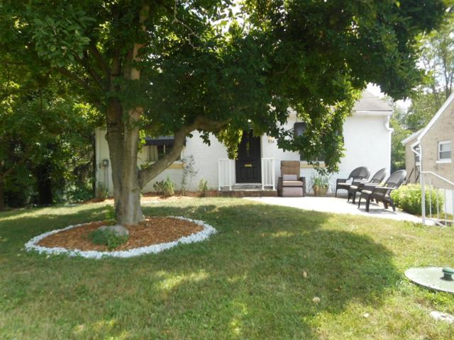904 Oak Avenue, Wyoming, OH 45215 (#1631774) :: Chase & Pamela of Coldwell Banker West Shell
