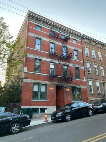 1639 Sycamore Street E, Cincinnati, OH 45202 (#1660408) :: The Chabris Group