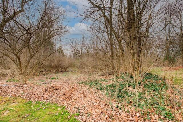 8011 Woodruff Road, Anderson Twp, OH 45255 (#1693099) :: The Huffaker Group