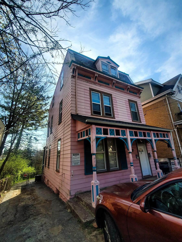 1044 Rosemont Avenue - Photo 1