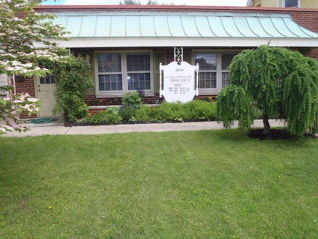 2011 Central Avenue, Middletown, OH 45044 (#1698974) :: The Chabris Group