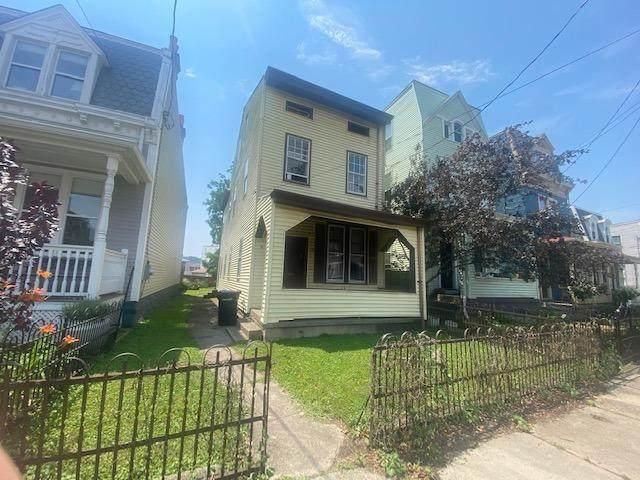 3067 Sidney Avenue, Cincinnati, OH 45225 (#1704887) :: The Huffaker Group