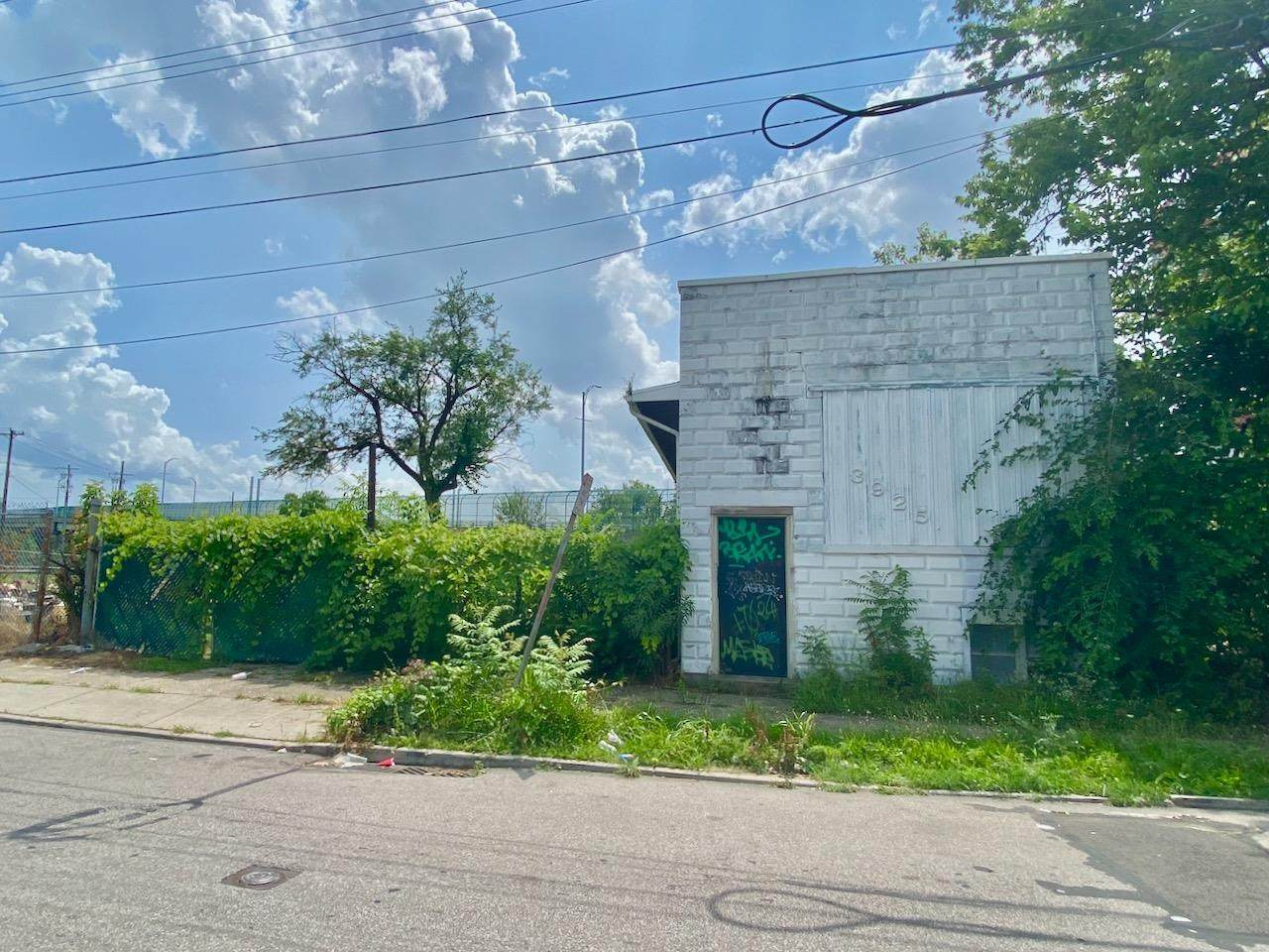 3925 Old Ludlow Avenue - Photo 1