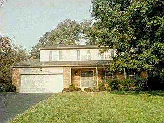 2625 Oldforge Lane, Anderson Twp, OH 45244 (#1709925) :: The Huffaker Group