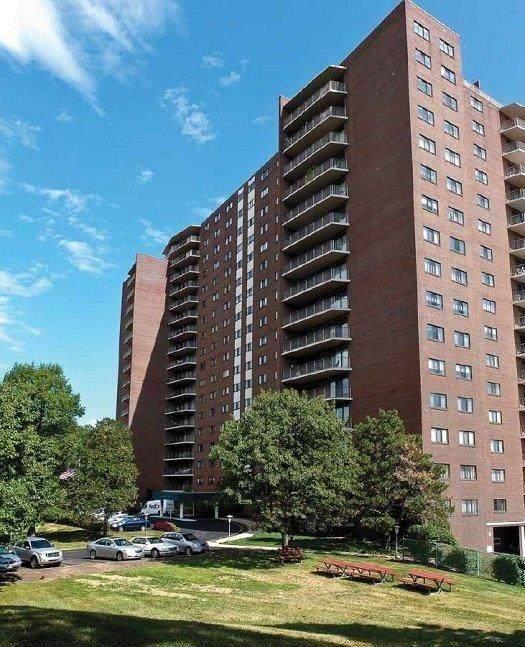 5300 Hamilton Avenue #605, Cincinnati, OH 45224 (#1710422) :: Century 21 Thacker & Associates, Inc.