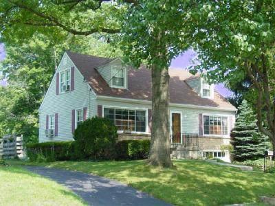 7329 Elizabeth Street, Mt Healthy, OH 45231 (#1712951) :: Century 21 Thacker & Associates, Inc.
