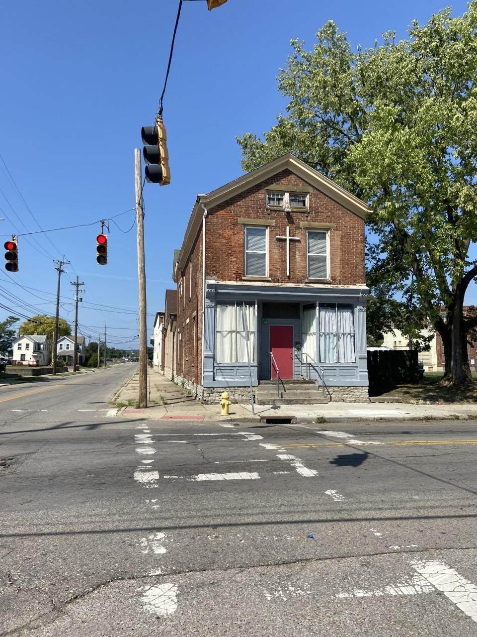 663 East Avenue - Photo 1