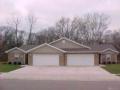 360 Glenside Court, Trotwood, OH 45426 (#1716040) :: Century 21 Thacker & Associates, Inc.