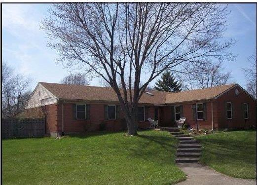 8141 Chesnut Hill Lane, West Chester, OH 45069 (#1554075) :: The Dwell Well Group