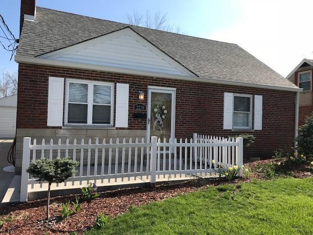 2238 Hunt Road, Reading, OH 45215 (#1575595) :: The Dwell Well Group