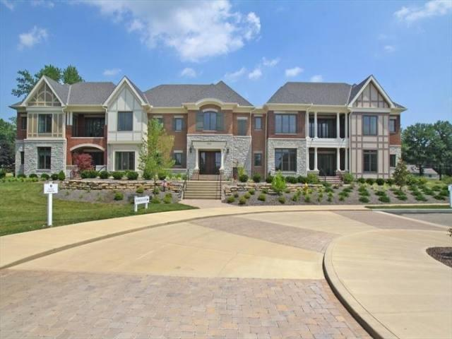 9606 Park Manor #101, Blue Ash, OH 45242 (#1578595) :: The Dwell Well Group