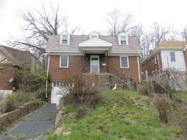 588 Lowell Avenue, Cincinnati, OH 45220 (#1583825) :: The Dwell Well Group