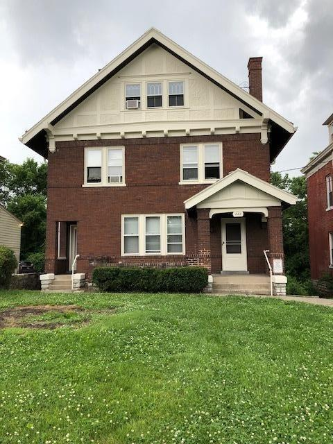 444 Riddle, Cincinnati, OH 45220 (#1584515) :: The Dwell Well Group