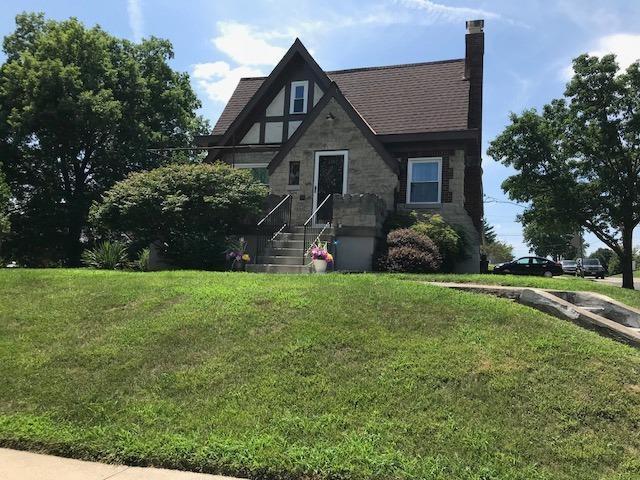 1347 Covedale Avenue, Cincinnati, OH 45238 (#1587159) :: Bill Gabbard Group