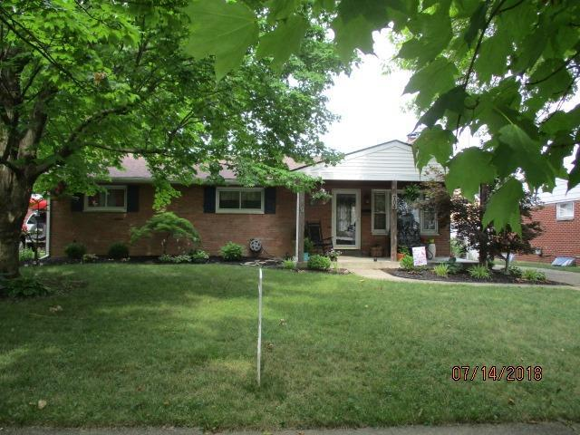 704 The Alameda, Middletown, OH 45044 (#1588163) :: Bill Gabbard Group