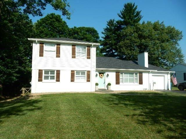 7247 Miami Avenue, Madeira, OH 45243 (#1610580) :: Chase & Pamela of Coldwell Banker West Shell