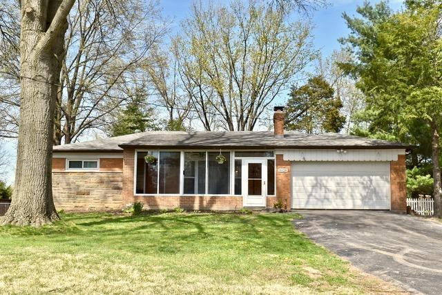 10128 Zig Zag Road, Blue Ash, OH 45242 (#1618391) :: Chase & Pamela of Coldwell Banker West Shell