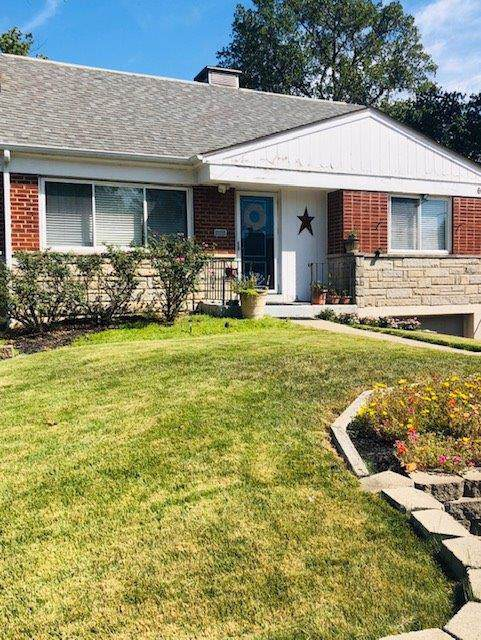 6984 Beechmont Avenue, Anderson Twp, OH 45230 (#1638231) :: Chase & Pamela of Coldwell Banker West Shell