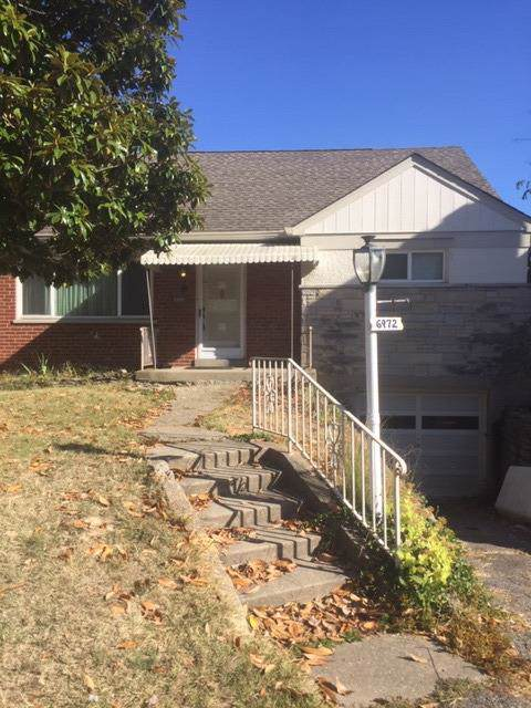 6972 Beechmont Avenue, Anderson Twp, OH 45230 (#1641236) :: Chase & Pamela of Coldwell Banker West Shell
