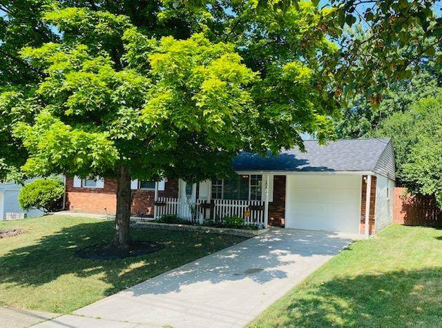 12087 Mallet Drive, Springdale, OH 45246 (#1668261) :: Century 21 Thacker & Associates, Inc.