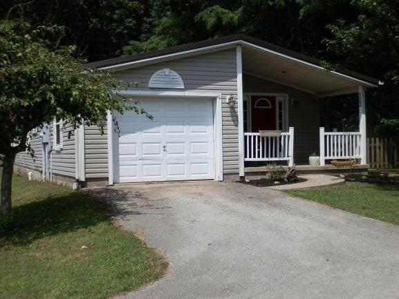 122 Maple Run Drive, Hillsboro, OH 45133 (#1670455) :: Century 21 Thacker & Associates, Inc.